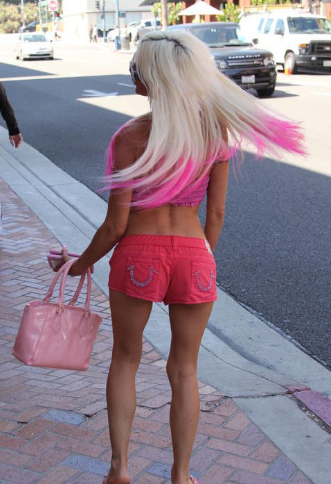 angelique-morgan-pink-outfit-go-greek-yogurt-beverly-hills-kanoni-3