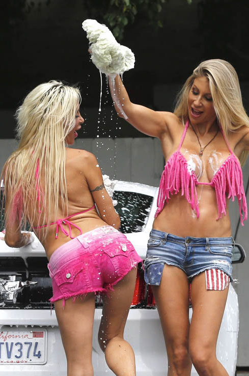 Frenchy-Angelique-Morgan-Puma-Swede-Sexy-Car-Wash-Malibu-Kanoni-11