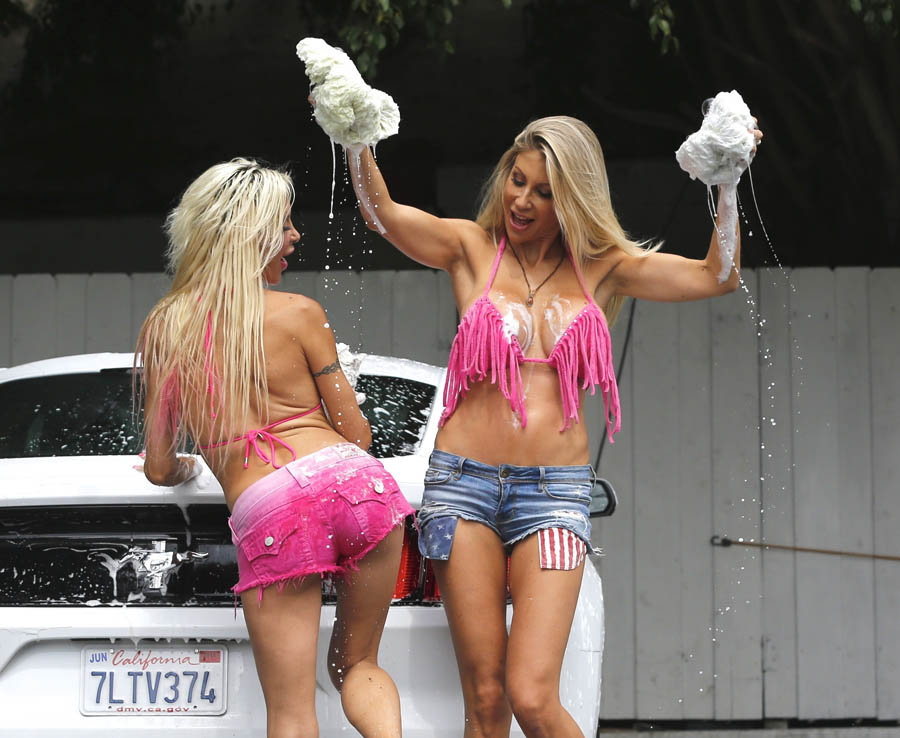 Frenchy-Angelique-Morgan-Puma-Swede-Sexy-Car-Wash-Malibu-Kanoni-6