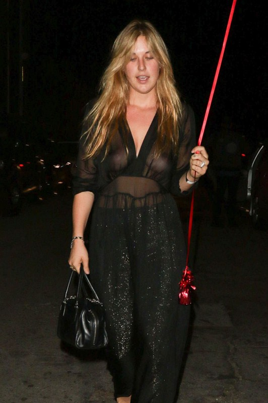 scout-willis-night-out-style-braless-see-through-los-angeles-october-kanoni-1