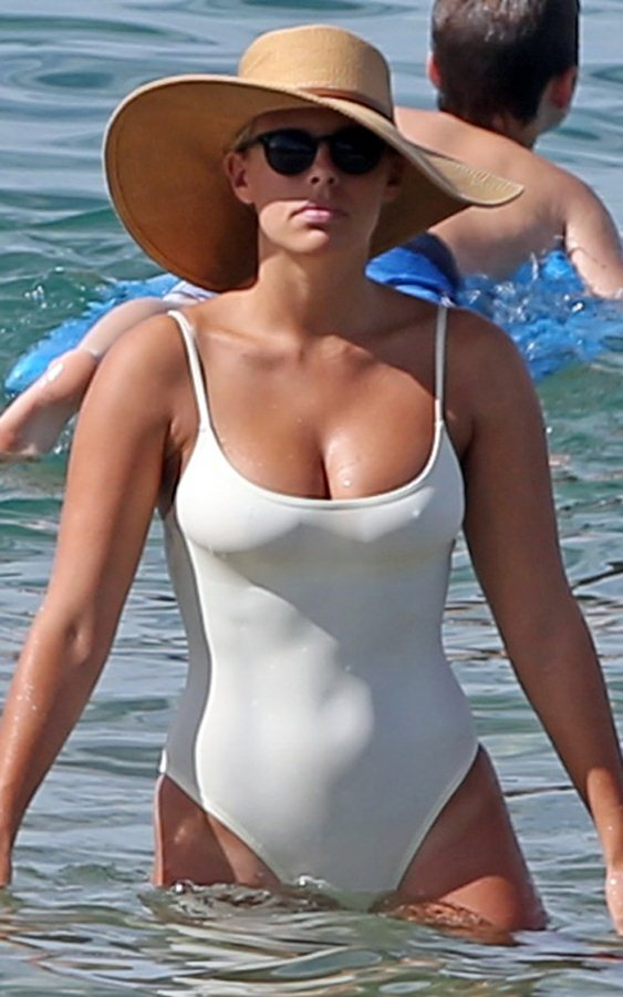 Natasha-Oakley-White-Swimsuit-In-Maui-Kanoni-2