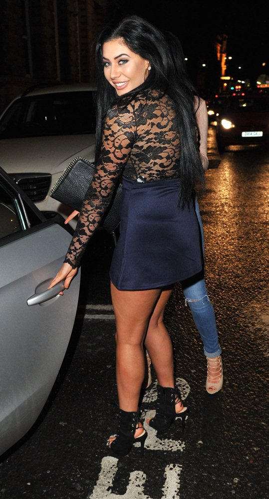 chloe-ferry-braless-see-through-nipples-night-out-newcastle-kanoni-9