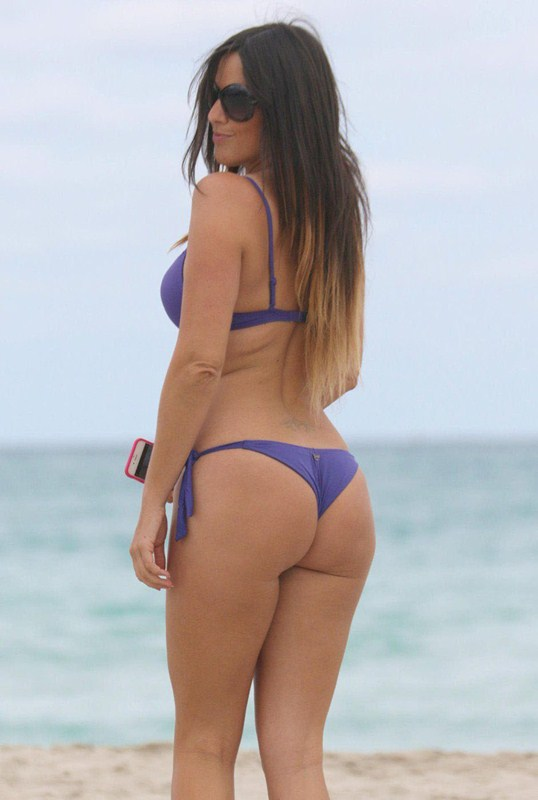 Claudia-Romani-in-Purple-Bikini-in-Miami-Beach-Kanoni-5
