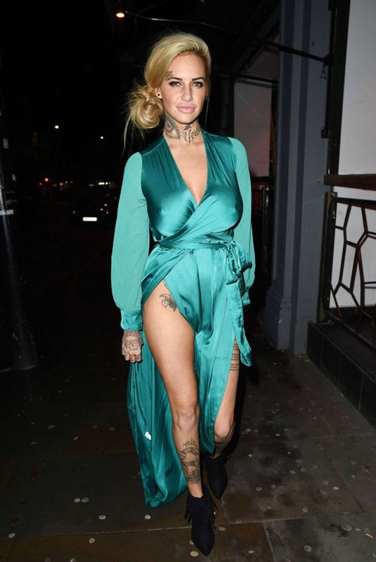 Jemma-Lucy-in-Green-Dress-Night-Out-Manchester-Kanoni-2