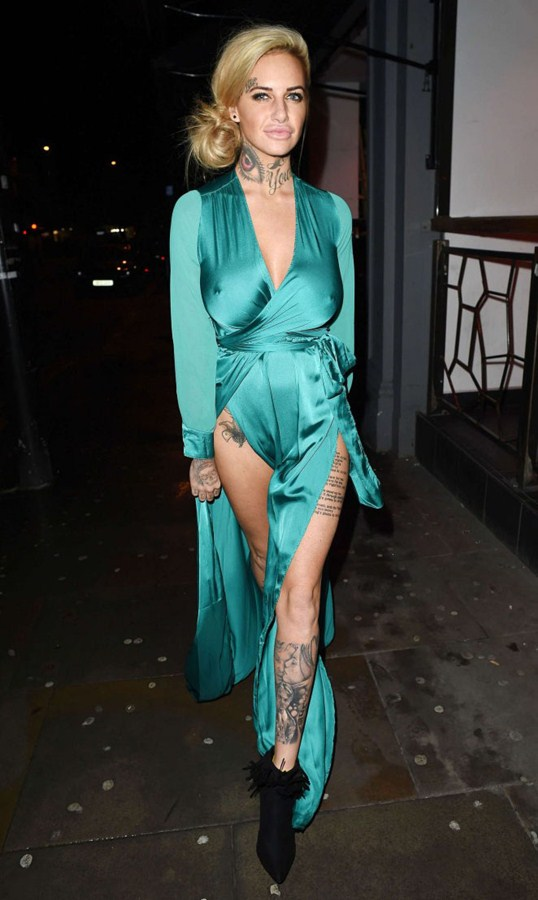 Jemma-Lucy-in-Green-Dress-Night-Out-Manchester-Kanoni-3