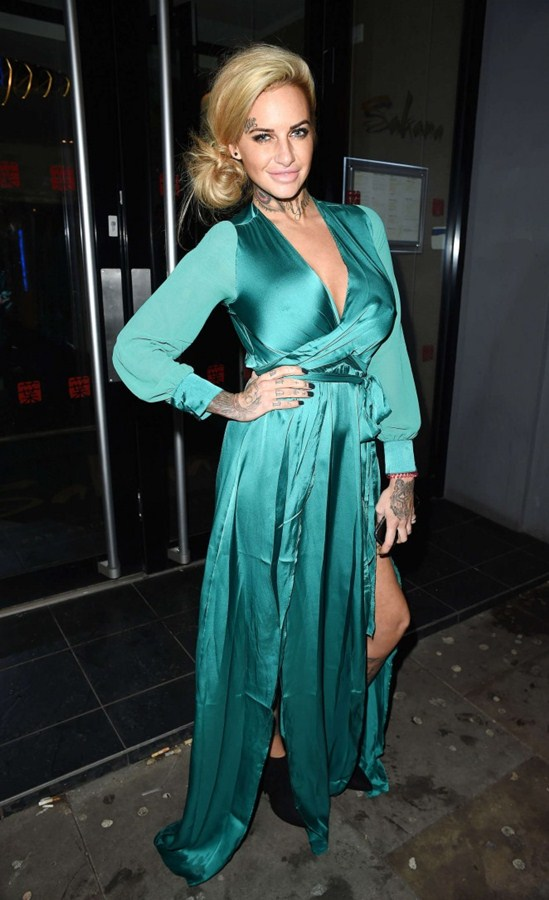 Jemma-Lucy-in-Green-Dress-Night-Out-Manchester-Kanoni-5
