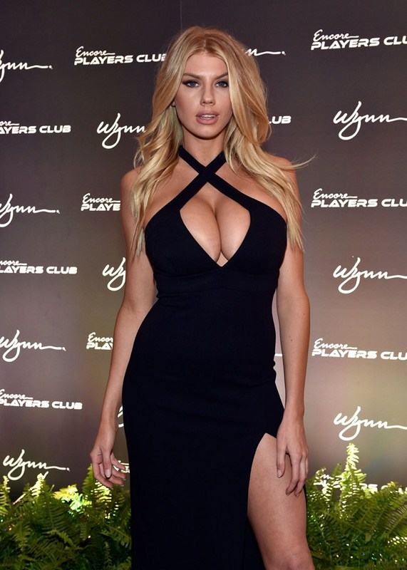 charlotte-mckinney-encore-player-s-club-grand-opening-in-las-vegas-kanoni-3