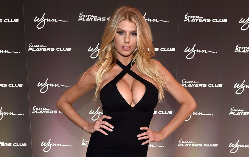 charlotte-mckinney-encore-player-s-club-grand-opening-in-las-vegas-kanoni-7