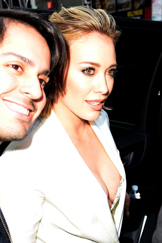 hilary-duff-nipple-slip-while-arriving-at-today-show-ny-kanoni-7