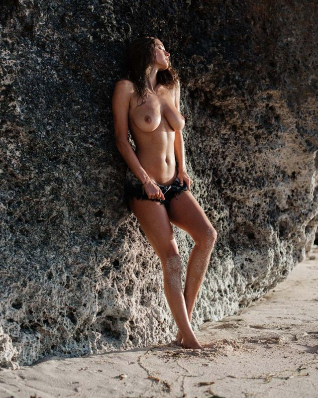 Alyssa-Arce-Topless-Photoshoot-Glen-Krohn-Kanoni-6