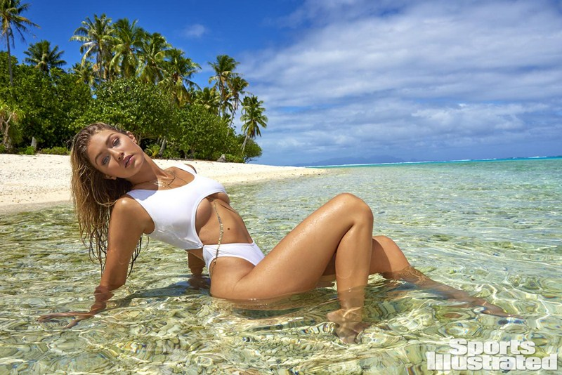 Gigi-Hadid-Sports-Illustrated-Swimsuit-2016-Kanoni-7