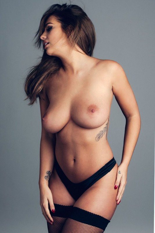 Holly-Peers-Poses-Topless-Kanoni-3