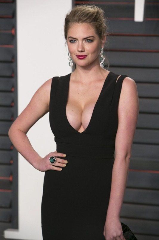 Kate-Upton-Vanity-Fair-Oscar-Party-Beverly-Hills-Kanoni-3
