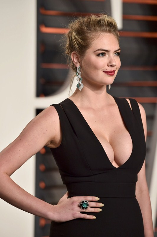 Kate-Upton-Vanity-Fair-Oscar-Party-Beverly-Hills-Kanoni-4