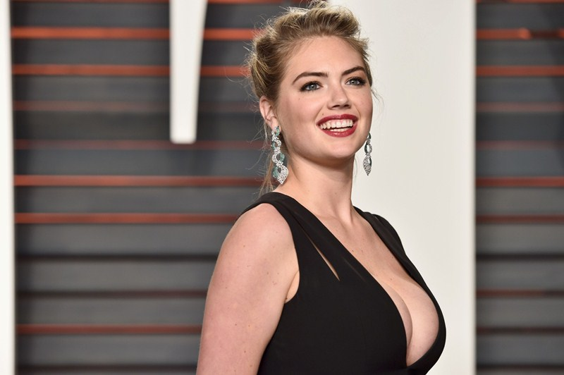 Kate-Upton-Vanity-Fair-Oscar-Party-Beverly-Hills-Kanoni-5