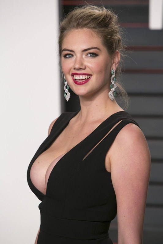 Kate-Upton-Vanity-Fair-Oscar-Party-Beverly-Hills-Kanoni-6