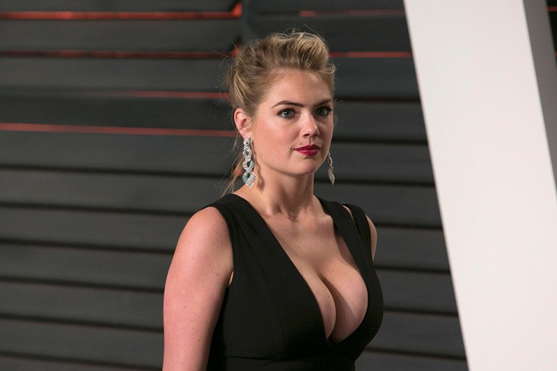 Kate-Upton-Vanity-Fair-Oscar-Party-Beverly-Hills-Kanoni-7