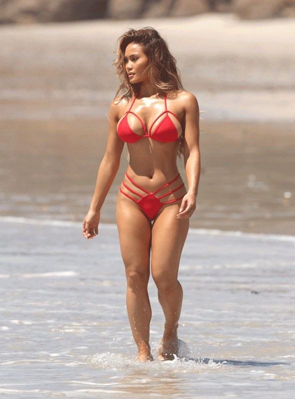 Daphne-Joy-Red-Bikini-Punta-Mita-Beach-Kanoni-2