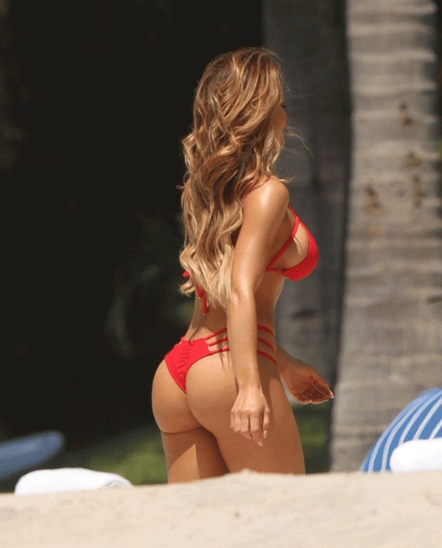 Daphne-Joy-Red-Bikini-Punta-Mita-Beach-Kanoni-4