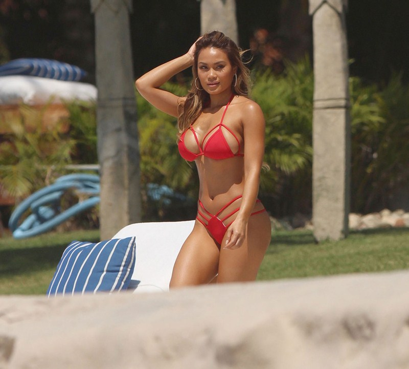 Daphne-Joy-Red-Bikini-Punta-Mita-Beach-Kanoni-5