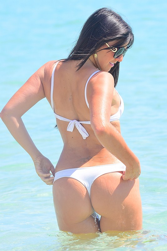 Italian model Claudia Romani looks hotter than ever as she hits the beach in Miami