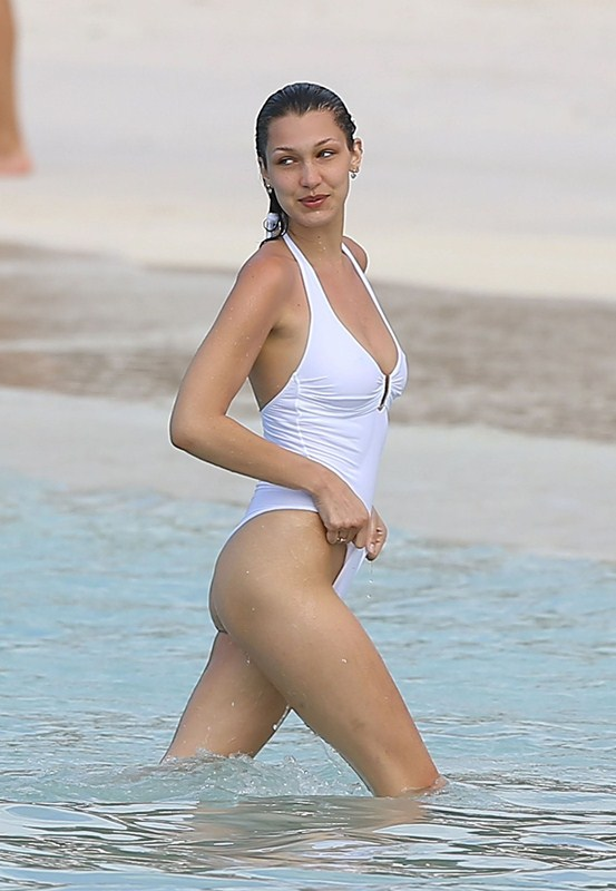 Bella-Hadid-in-White-Swimsuit-St-Barts-Kanoni-2