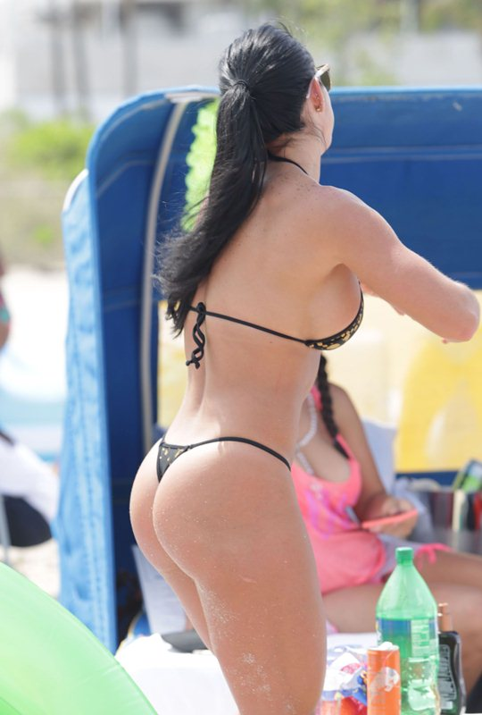 Michelle-Lewin-Sexy-Thong-Bikini-Enjoy-Day-Miami-Beach-Kanoni-6