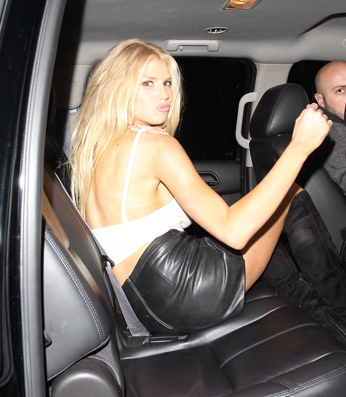 Charlotte-McKinney-Night-Out-The-Nice-Guy-Kanoni-4