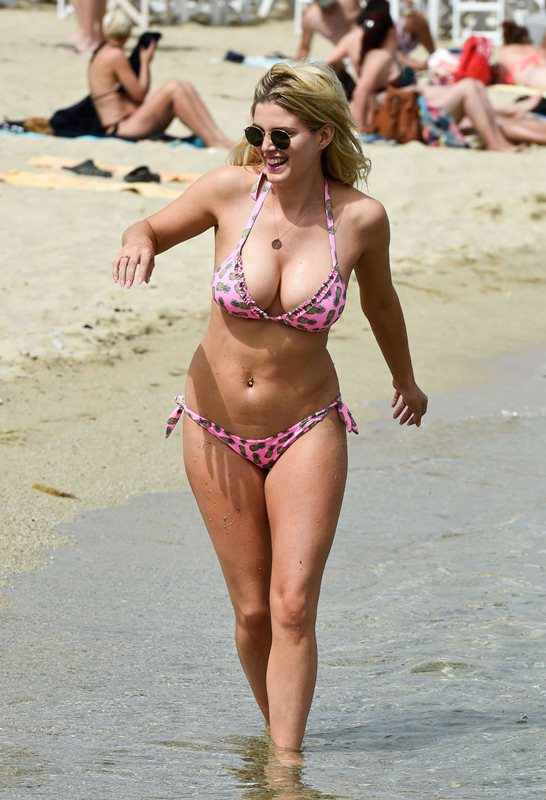 Ashley-James-Sexy-Bikini-Candids-Mykonos-Kanoni-7