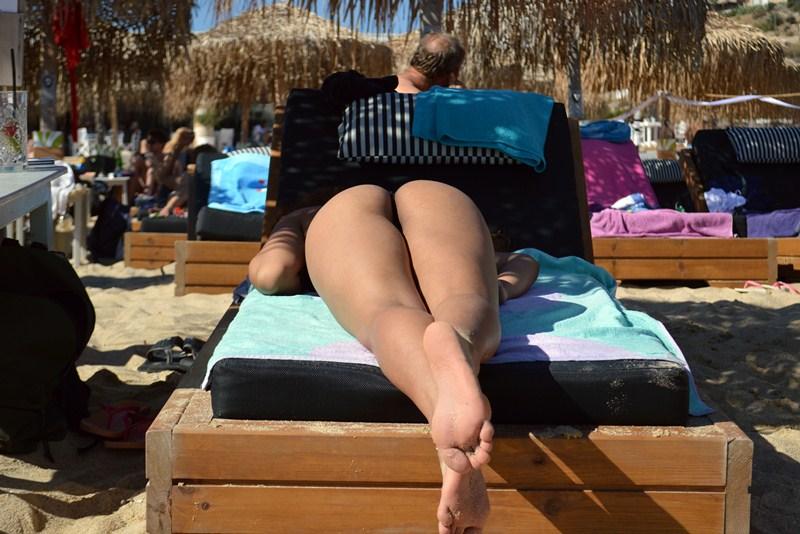 Clio-Morena-Palma-Sunbath-Elia-Beach-Mykonos-Kanoni-1