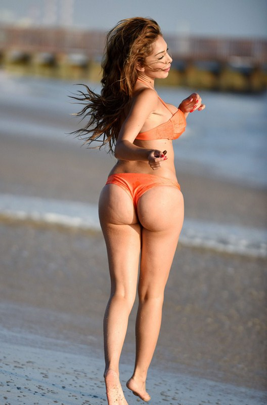 Farrah-Abraham-Orange-Bikini-LA-Beach-Kanoni-1
