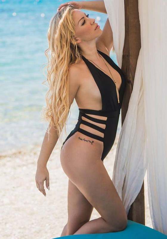 Xristina-Dalla-Hot-Swimsuit-Kanoni-2