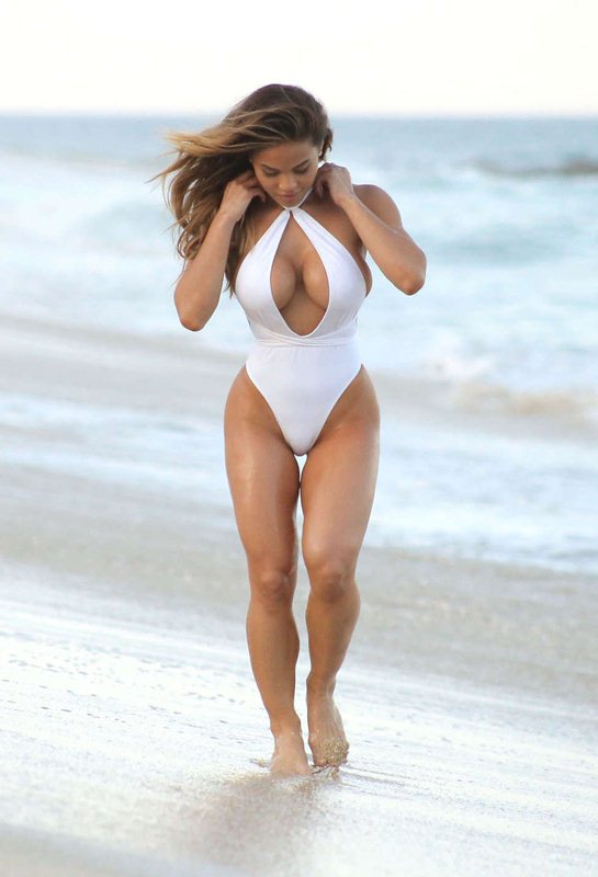 daphne-joy-white-swimsuit-on-the-beach-in-cabo-san-lucas-mexico-kanoni-10