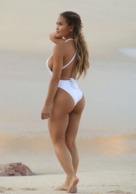 daphne-joy-white-swimsuit-on-the-beach-in-cabo-san-lucas-mexico-kanoni-9
