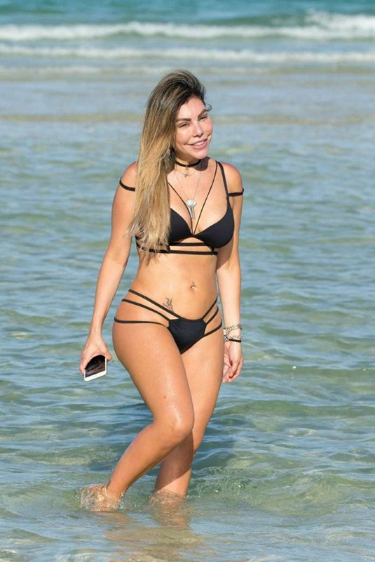 liziane-gutierrez-black-hot-bikini-miami-beach-kanoni-3
