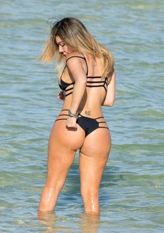 liziane-gutierrez-black-hot-bikini-miami-beach-kanoni-6