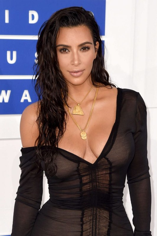 Kim-Kardashian-2016-MTV-Video-Music-Awards-Kanoni-1