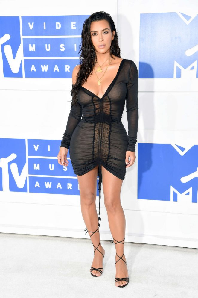 Kim-Kardashian-2016-MTV-Video-Music-Awards-Kanoni-3