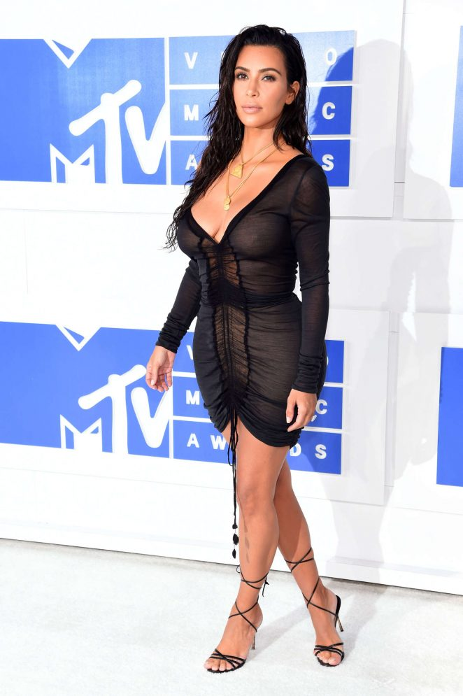 Kim-Kardashian-2016-MTV-Video-Music-Awards-Kanoni-4