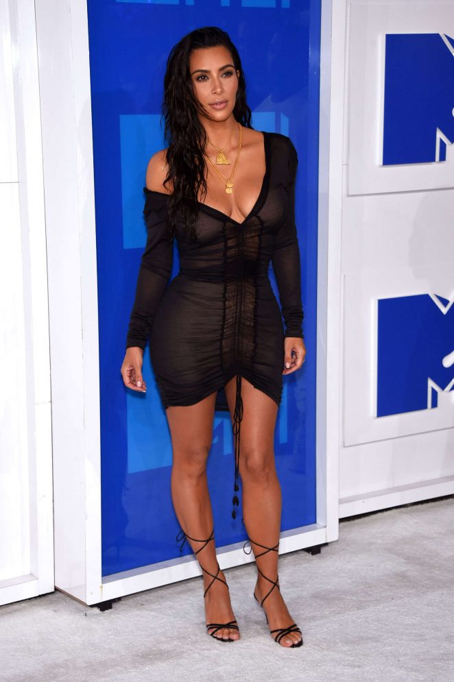 Kim-Kardashian-2016-MTV-Video-Music-Awards-Kanoni-5