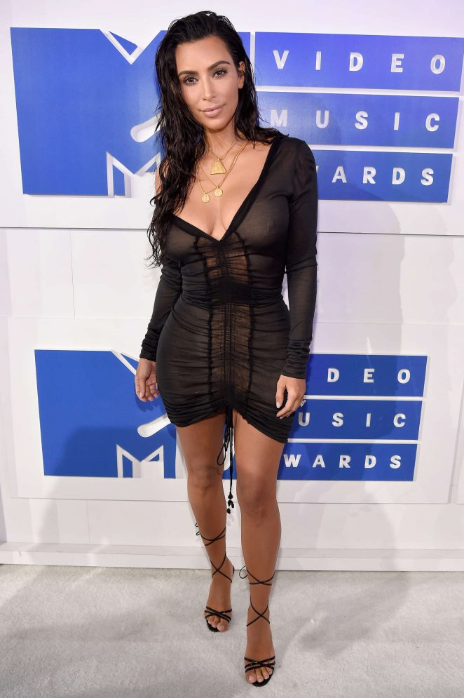 Kim-Kardashian-2016-MTV-Video-Music-Awards-Kanoni-7