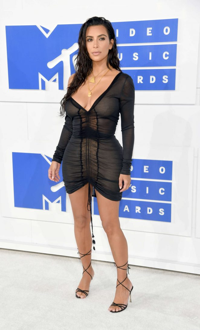 Kim-Kardashian-2016-MTV-Video-Music-Awards-Kanoni-8