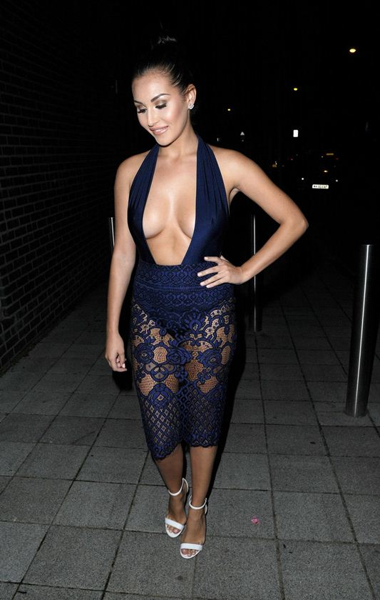 chloe-goodman-cleavage-night-out-in-london-kanoni-5