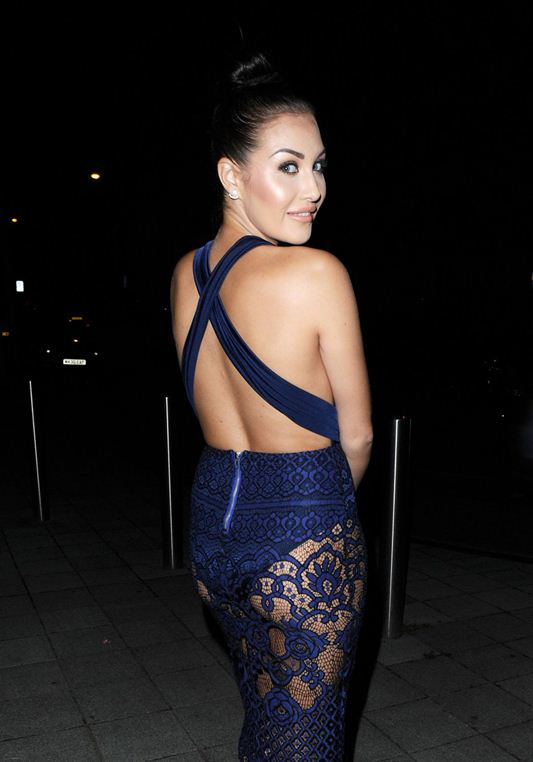 chloe-goodman-cleavage-night-out-in-london-kanoni-6