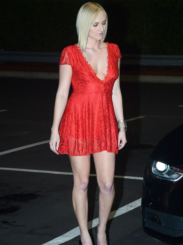 kate-england-nipple-slip-red-dress-night-out-miami-kanoni-7