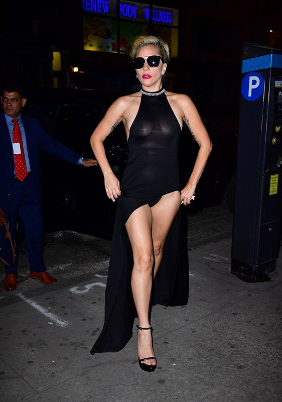 lady-gaga-see-through-braless-upskirt-black-dress-night-out-in-new-york-kanoni-4