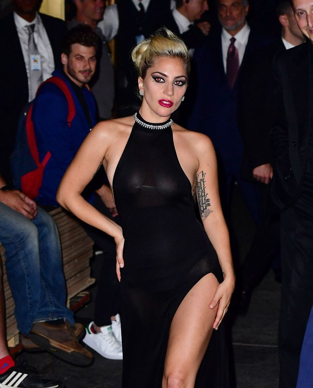 lady-gaga-see-through-braless-upskirt-black-dress-night-out-in-new-york-kanoni-6