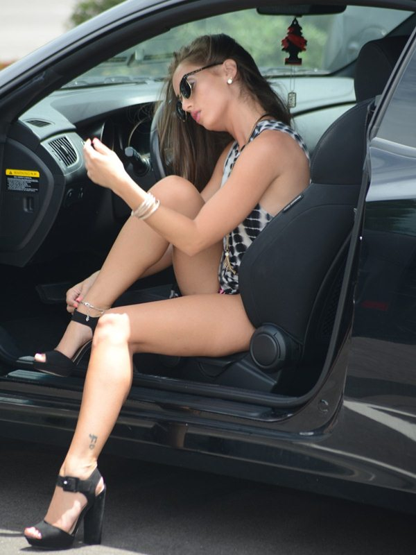 melissa-lori-panty-flash-upskirt-car-miami-kanoni-7