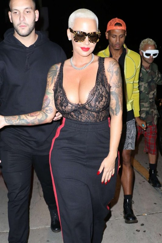 amber-rose-big-boobs-night-out-in-santa-monica-kanoni-4