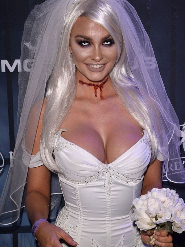 emily-sears-at-maxim-halloween-party-in-los-angeles-kanoni-4